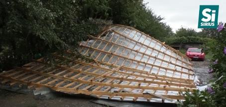 В Ужгороді через негоду дві сім'ї залишились без даху над головою