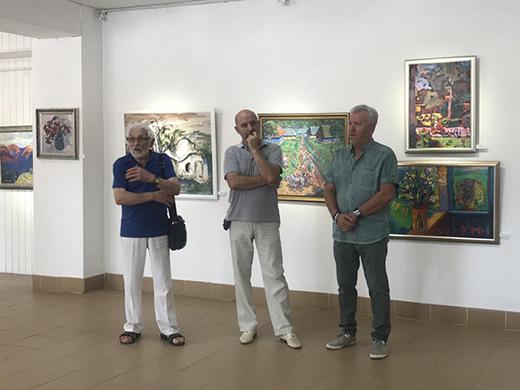 В Ужгороді триває святкова виставка закарпатських митців до Дня Незалежності України