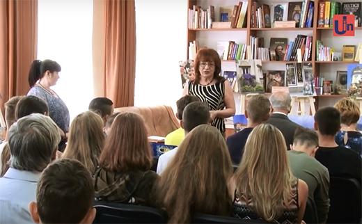 Ужгородська поетеса Ольга Тимофієва презентувала свою фотовиставку в міській бібліотеці