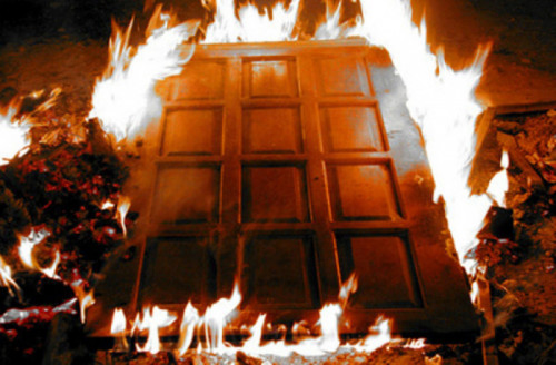 У Мукачеві горіли двері районної бібліотеки