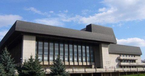 У Закарпатському обласному музично-драматичному театрі презентують відреставровану сцену