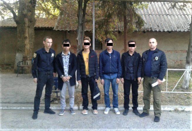 В Ужгороді затримано групу в'єтнамців без документів