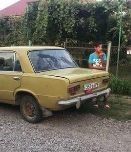 На Ужгородщині громадяни зупинили12 річного водія з купою малолітніх у машині (відео)
