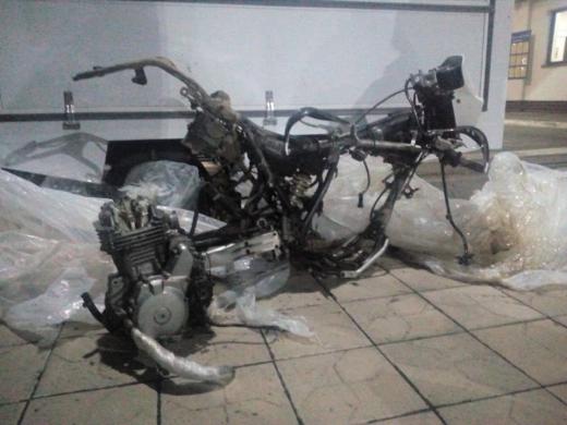 """Через пункт пропуску """"Малий Березний"""" намагалися незаконно провезти розібраний мотоцикл"""