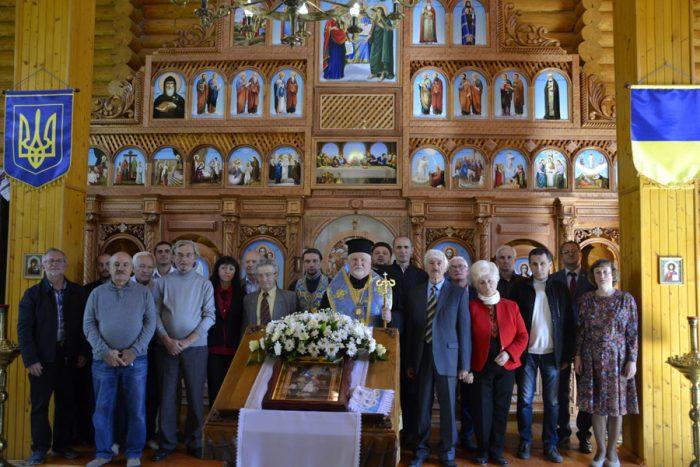 В Ужгороді урочисто відзначили 30-річчя заснування Закарпатської крайової організація Народного Руху України за перебудову (фото)