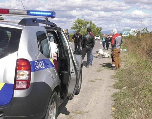 На Берегівщині водій легковика збив насмерть велосипедистку