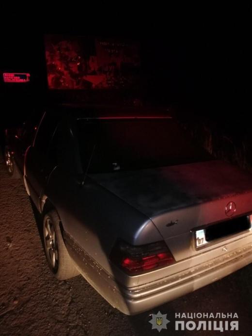 На Мукачівщині викрали автівку з АЗС