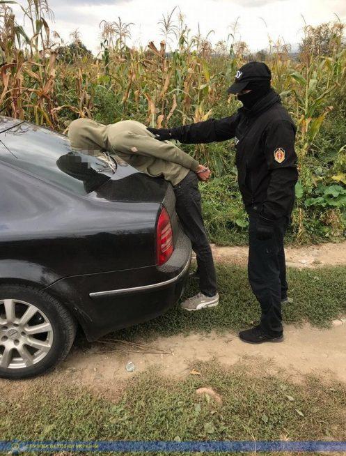 СБУ викрила на Закарпатті групу злочинців, які виготовляли та розповсюджували наркотики (ФОТО, ВІДЕО)