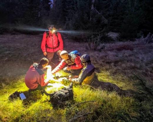 Закарпатські рятувальники допомогли туристу, який травмувався у горах