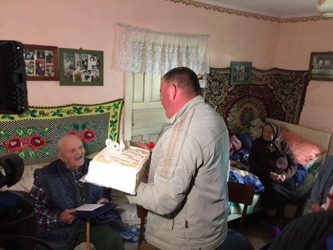 Довгожитель зі Свалявщини відзначив 100-літній ювілей