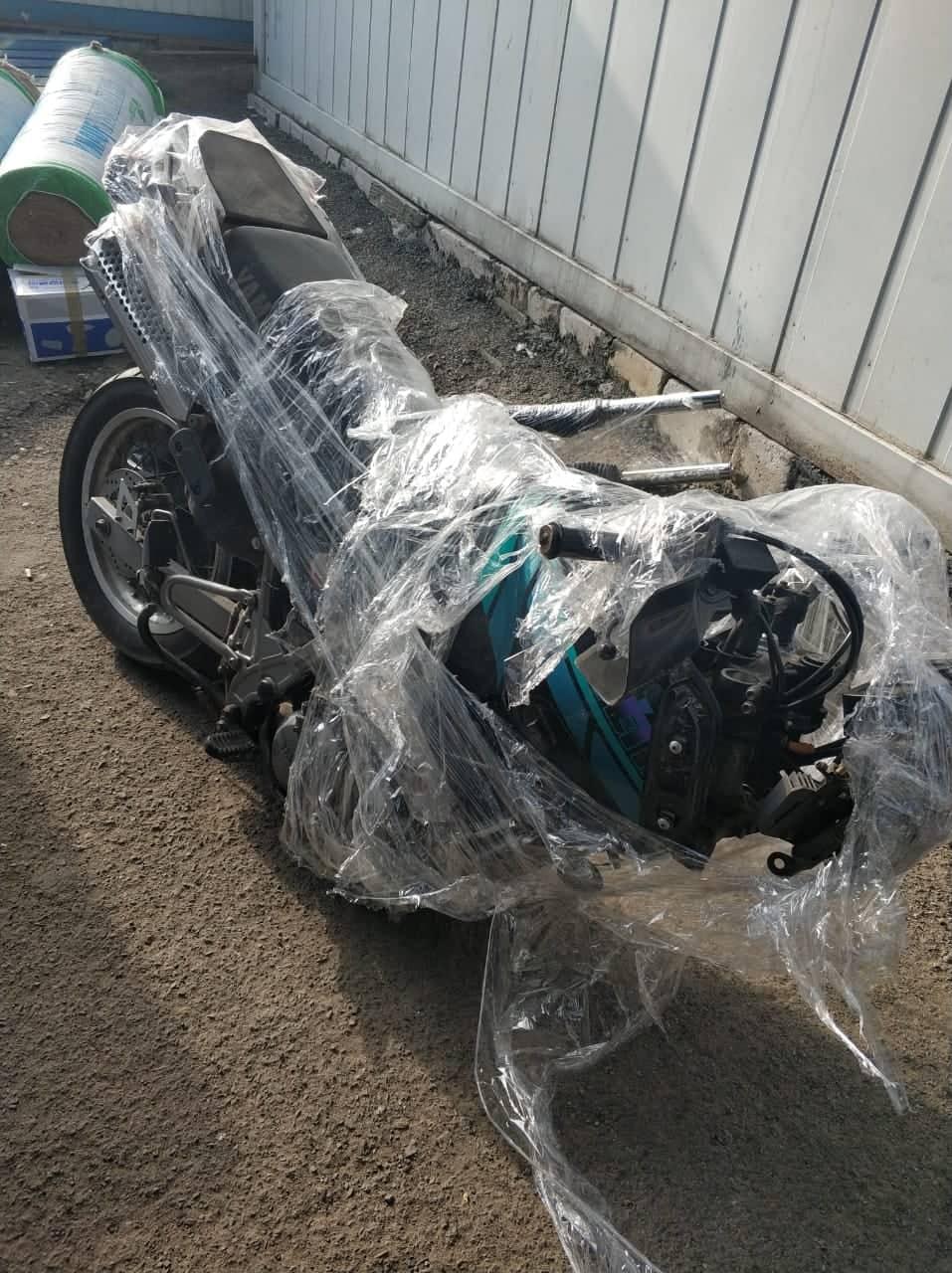 Закарпатські прикордонники виявили схований у мікроавтобусі мотоцикл