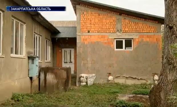 На Хустщині вже 8 років будують найдорожчий шкільний туалет в Україні (ВІДЕО)
