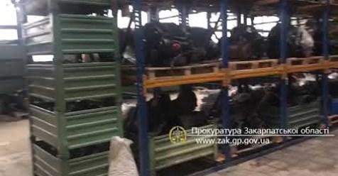 В Ужгороді викрили ще один склад із автозапчастинами, які продавали через Інтернет без сплати податків (ВІДЕО)