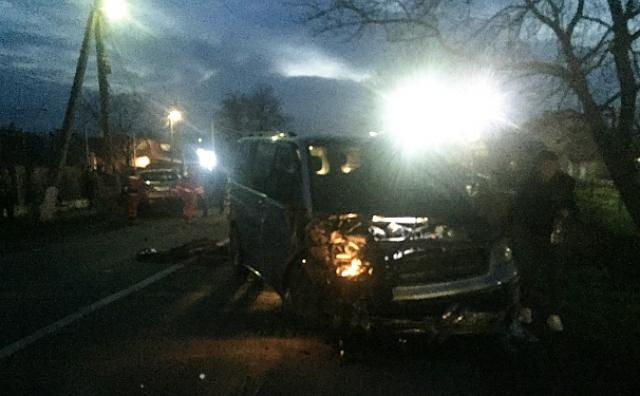 У зіткненні Mitsubishi та VW на Ужгородщині постраждали двоє людей