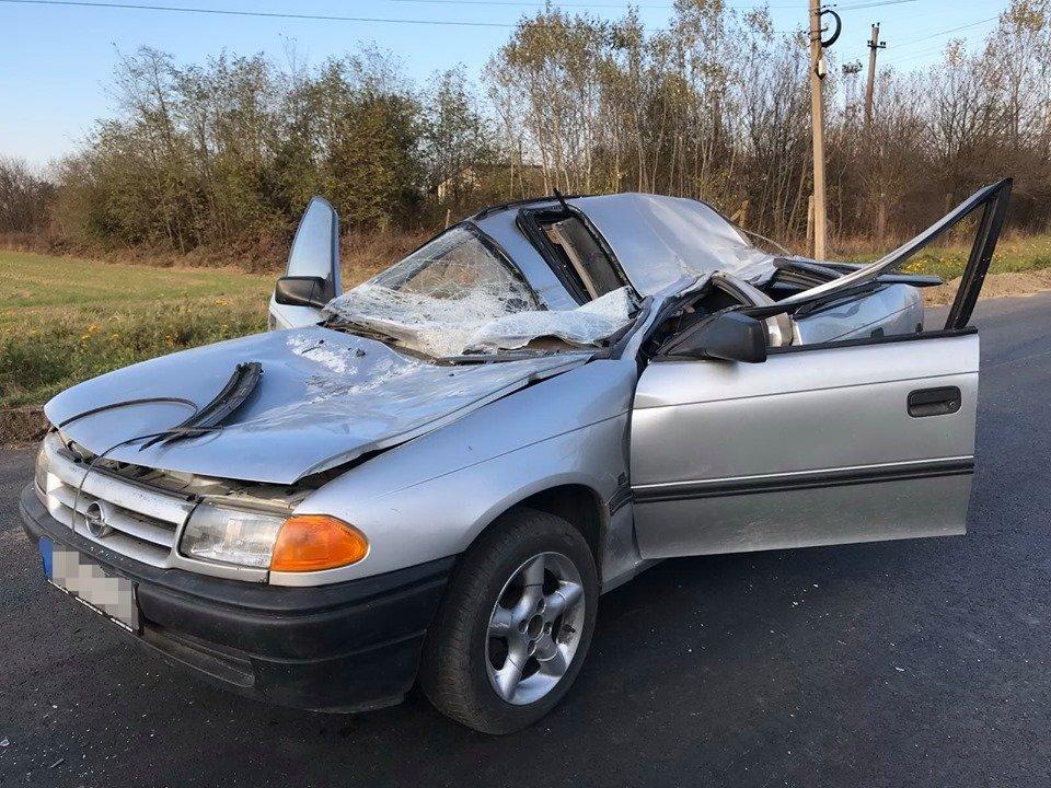 На Ужгородщині іномарка зіткнулася з трактором – водій загинув, 12-річний пасажир опинився в лікарні