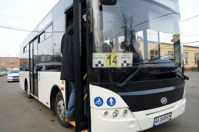 В Ужгороді випробували новий низькопідлоговий автобус