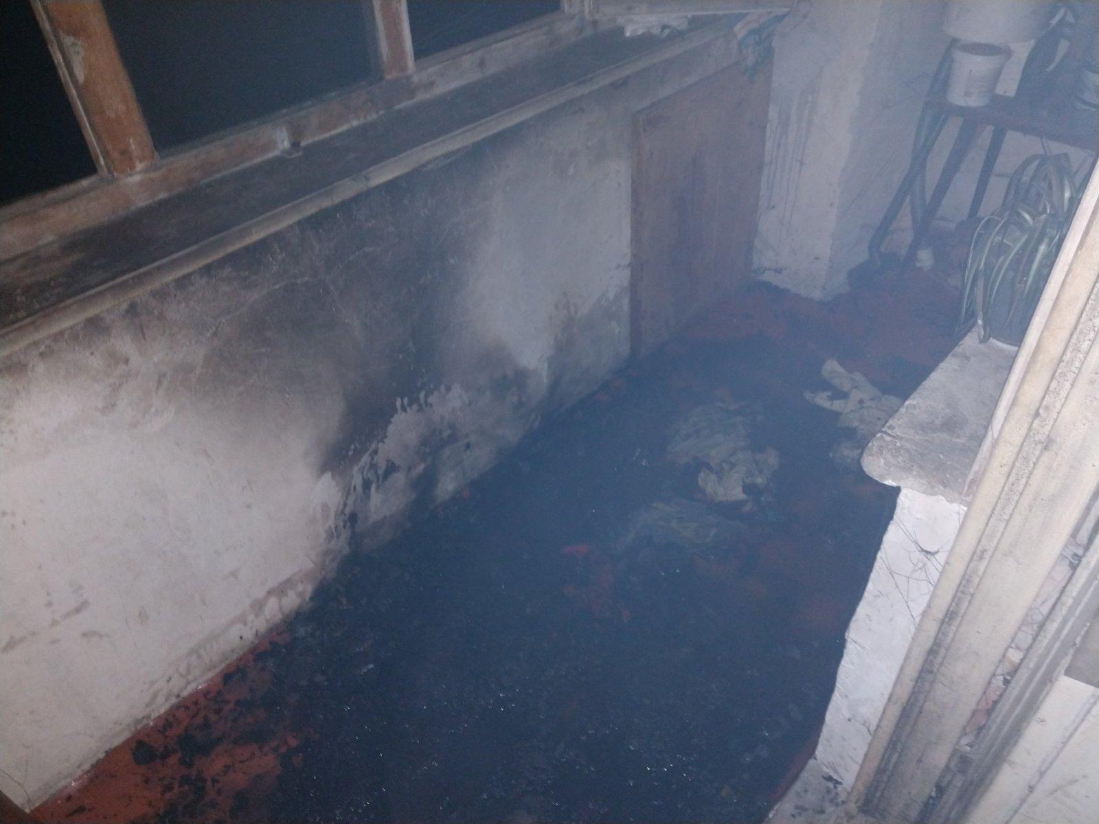 Під час пожежі в багатоповерхівці у Хусті евакуювали 15 людей