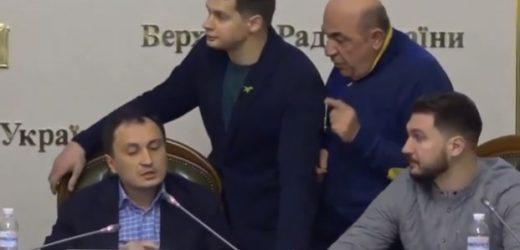 Закарпатський нардеп Костюх прикрив голову аграрного Комітету ВР від надокучливого Рабіновича (відео)
