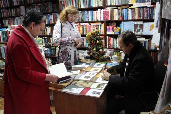 Дві нові книги представив ужгородським читачам Мирослав Дочинець