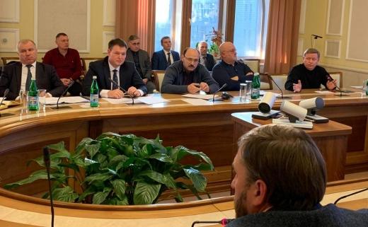 У Закарпатській ОДА обговорили заходи боротьби з нелегальними АЗС