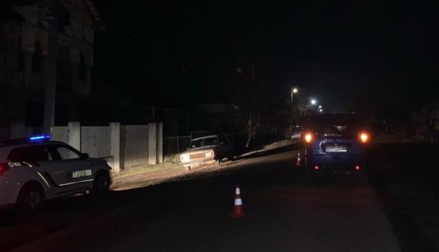 На Виноградівщині під колесами авто загинула жінка