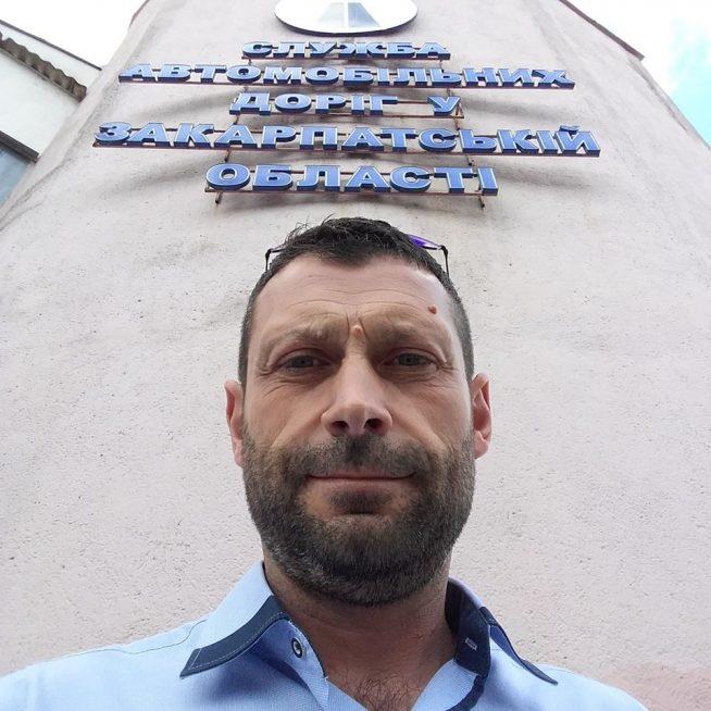 Затриманий на хабарі начальник Закарпатського облавтодору, встиг попрацювати радником Мукачівського міського голови