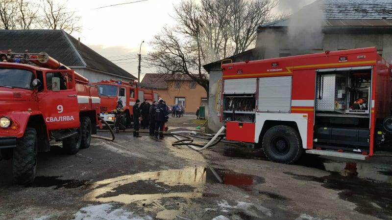 В Сваляві сталася пожежа у школі – евакуйовано 177 дітей (ФОТО)