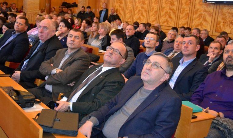 В Ужгороді обговорили алгоритм впровадження програми медичних гарантій