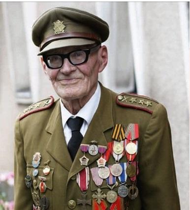 У Чехії відійшов у вічність полковник у відставці Іван Пловайко