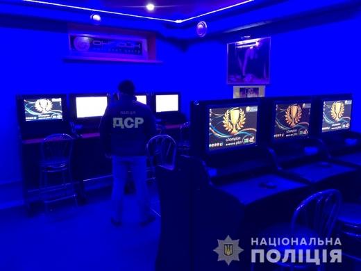Поліція викрила ще один підпільний гральний заклад в Мукачеві