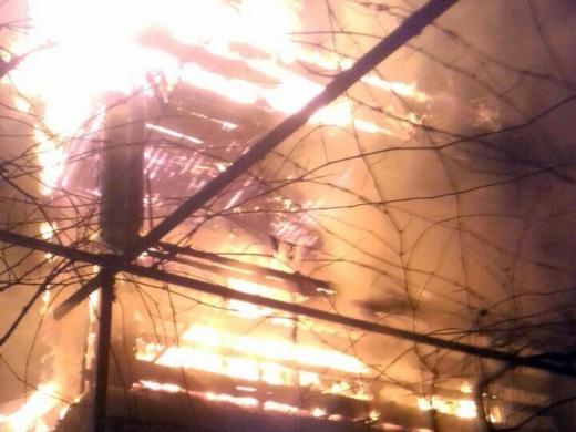 Під час пожежі у Хусті врятували чоловіка (ФОТО)