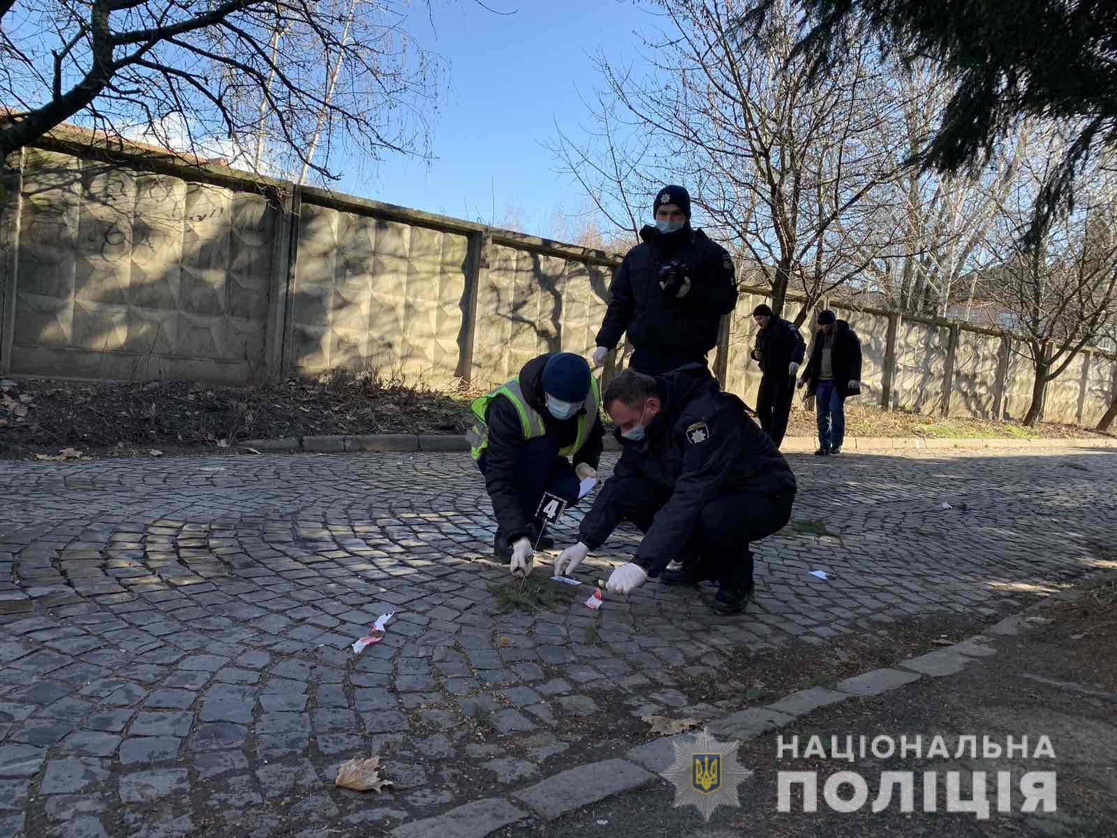 В Мукачеві сталася стрілянина – двоє поранених у лікарні