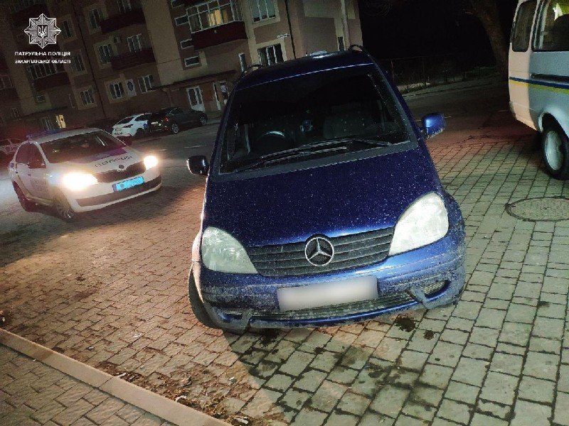 Закарпатські полісмени розшукали два авто, які перебували в угоні