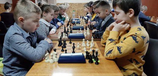 50 юних закарпатців змагалися на чемпіонаті області з шахів