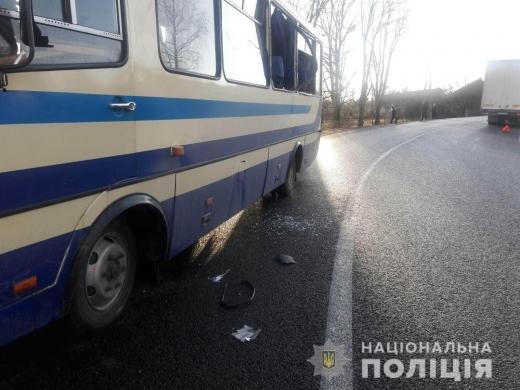 ДТП з постраждалими на Мукачівщині – зіткнулися рейсовий автобус та вантажівка