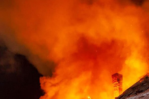 У Хусті під час пожежі в хліву загинуло 30 свиней та 60 курей