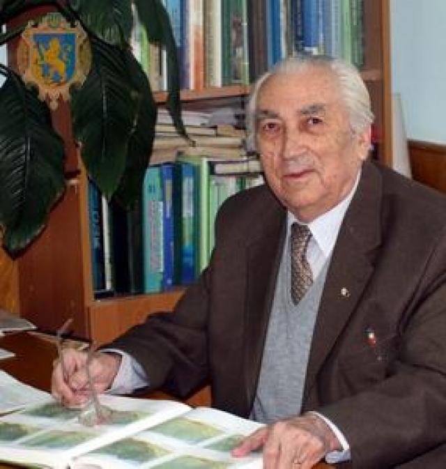 Колектив Ужанського нацпарку вітає академіка Степана Стойко зі 100-річчям