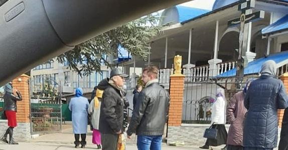 Відома лікарка з Ужгорода просить вірників Православної церкви схаменутися і не наражатися на небезпеку в соборах (фото)