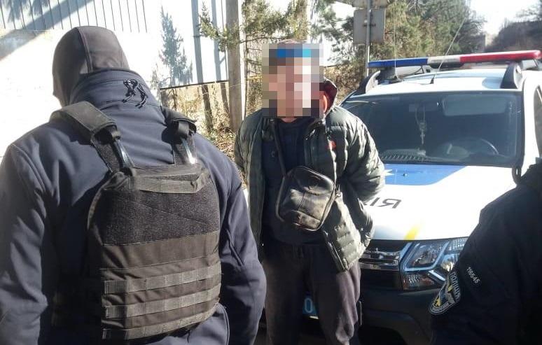 """В Ужгороді поліція затримала """"на гарячому"""" продавця метамфетаміну"""