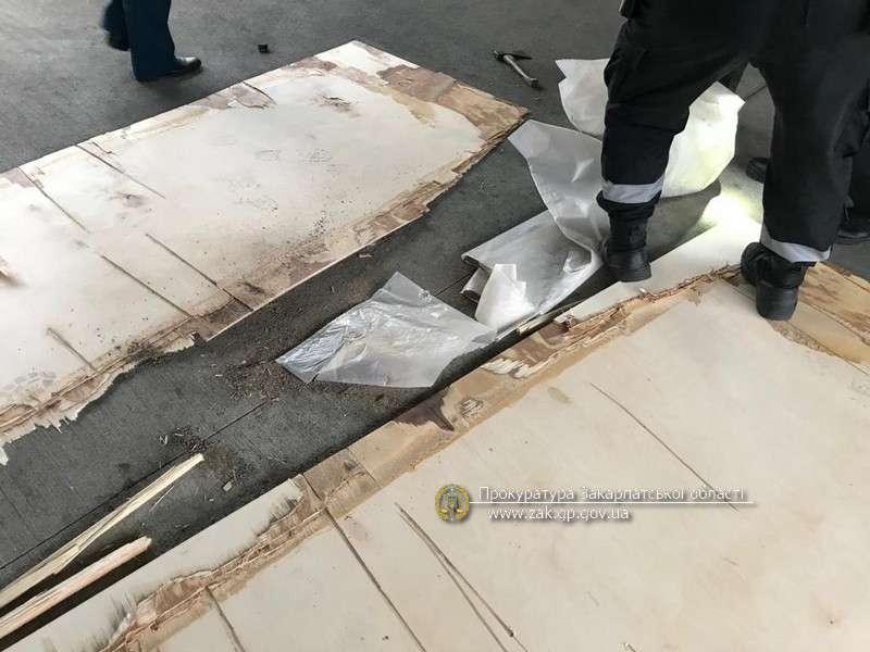 Взято під варту організатора контрабанди 374 кг героїну через кордон на Закарпатті