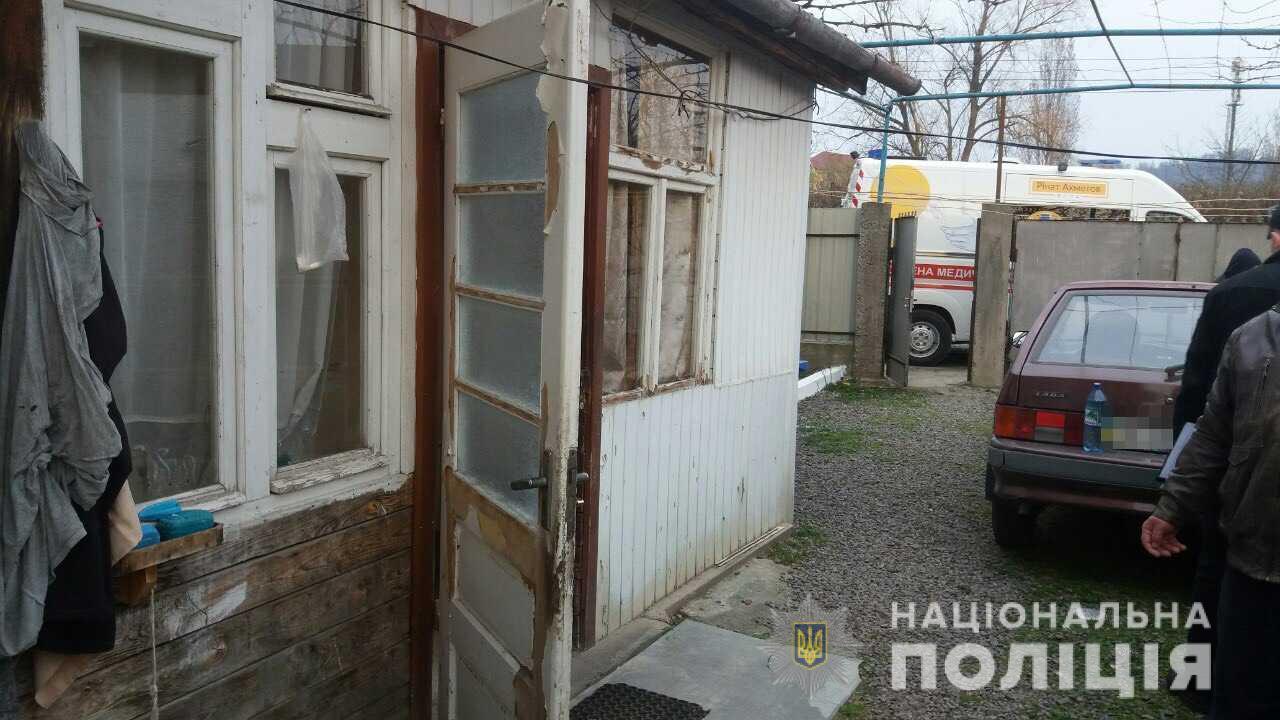 У Мукачеві пенсіонер ударами дошки по голові вбив співмешканця своєї доньки