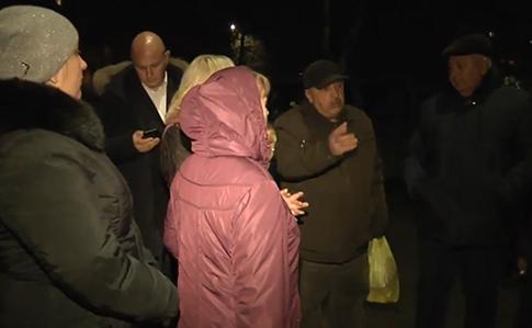 У Чернівцях вимагали ізолювати дружину чоловіка, який захворів на коронавірус (відео)