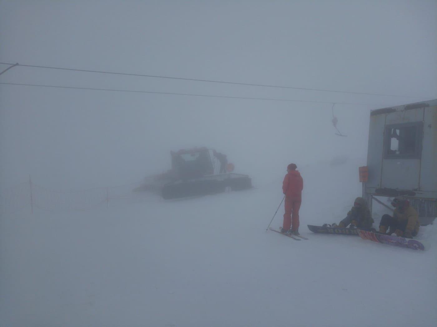 Протягом вихідних у горах на Закарпатті заблукало двоє туристів