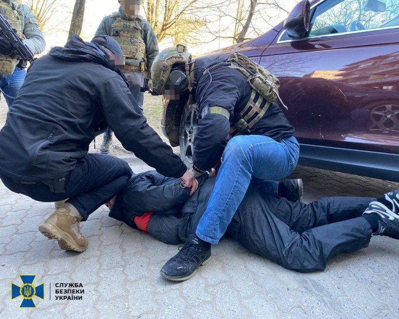 На Закарпатті СБУ затримала учасників злочинного угруповання, які підозрюються у скоєнні низки тяжких злочинів