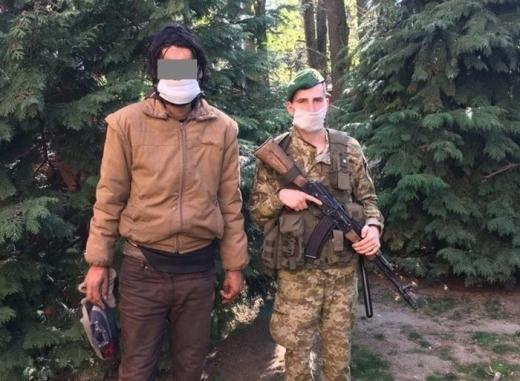 """Прикордонники затримали поблизу ПП """"Ужгород"""" українця, який уже вчетверте намагався дістатися країн ЄС в обхід пунктів пропуску"""