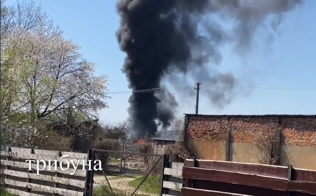 Під Ужгородом горить підприємство (відео)