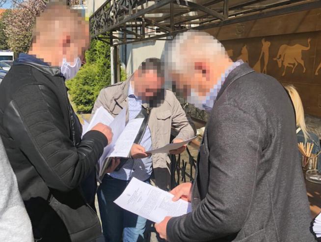 Директору Департаменту Ужгородської міської ради повідомлено про підозру у розтраті майже 470 тис грн