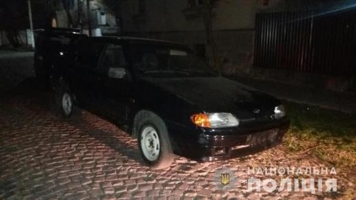 В Мукачеві злочинець не зміг утекти на викраденій у пенсіонера автівці – закінчився бензин