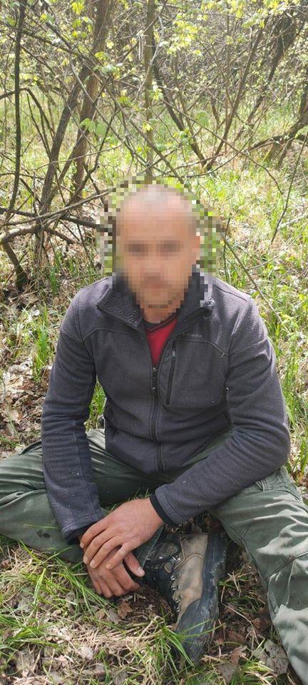 На Закарпатті затримали чоловіка, який стежив за рухом прикордонних нарядів