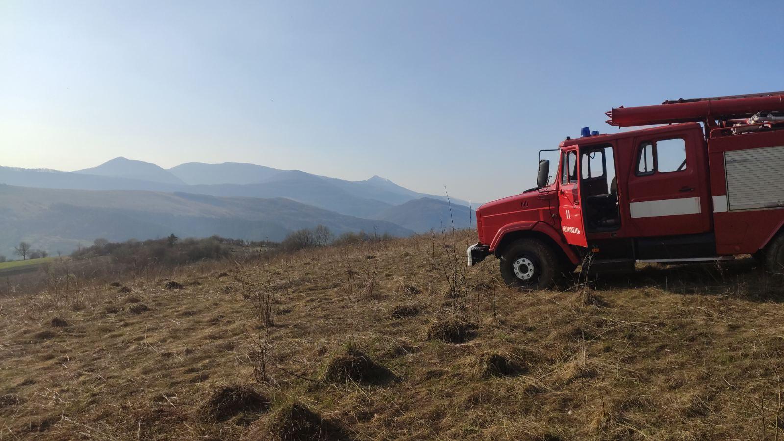 36 пожеж в екосистемах протягом минулої доби виникло на Закарпатті